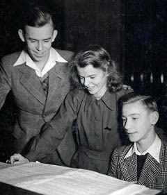 Die jungen Geschwister Schmid: Werni, Claerli und Willy. (c) Artur Beul