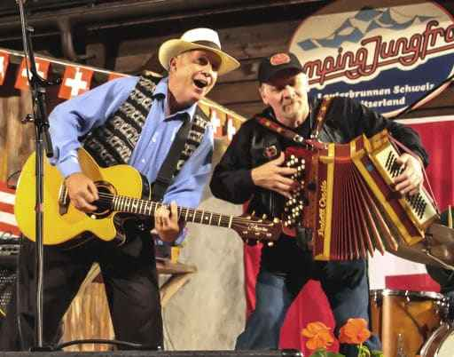 Willie Nininger on stage with Putzie Mayr (Accordion/Steel guitar, from CH Canton Vaud); Copyright W. Nininger