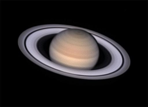 Saturn: aufgenommen im Juli 2018 in Chile mit 1m Remote Teleskop, 16m Brennweite, Videosequenzen mit total ca. 20'000 Bildern (je 5000 durch 4 Filter: IR und RGB), davon etwa die besten 4'000 addiert (Foto: Marcel Süssli).