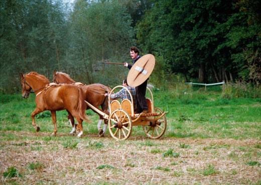 Xecutives.net Interview Andres Furger Test des nachgebauten keltischen Streitwagens im Jahre 1986